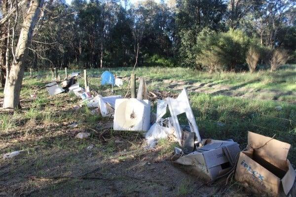 Builders rubbish Manjedal Brook 5